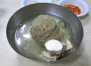 平壌冷麺2.JPG